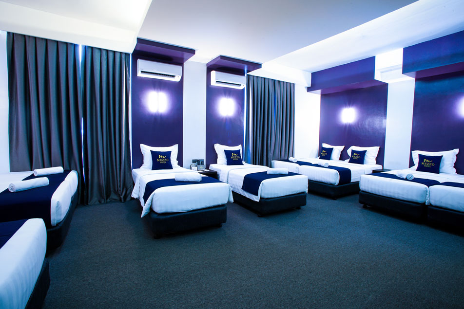 Mezzo Hotel - Barkada Room