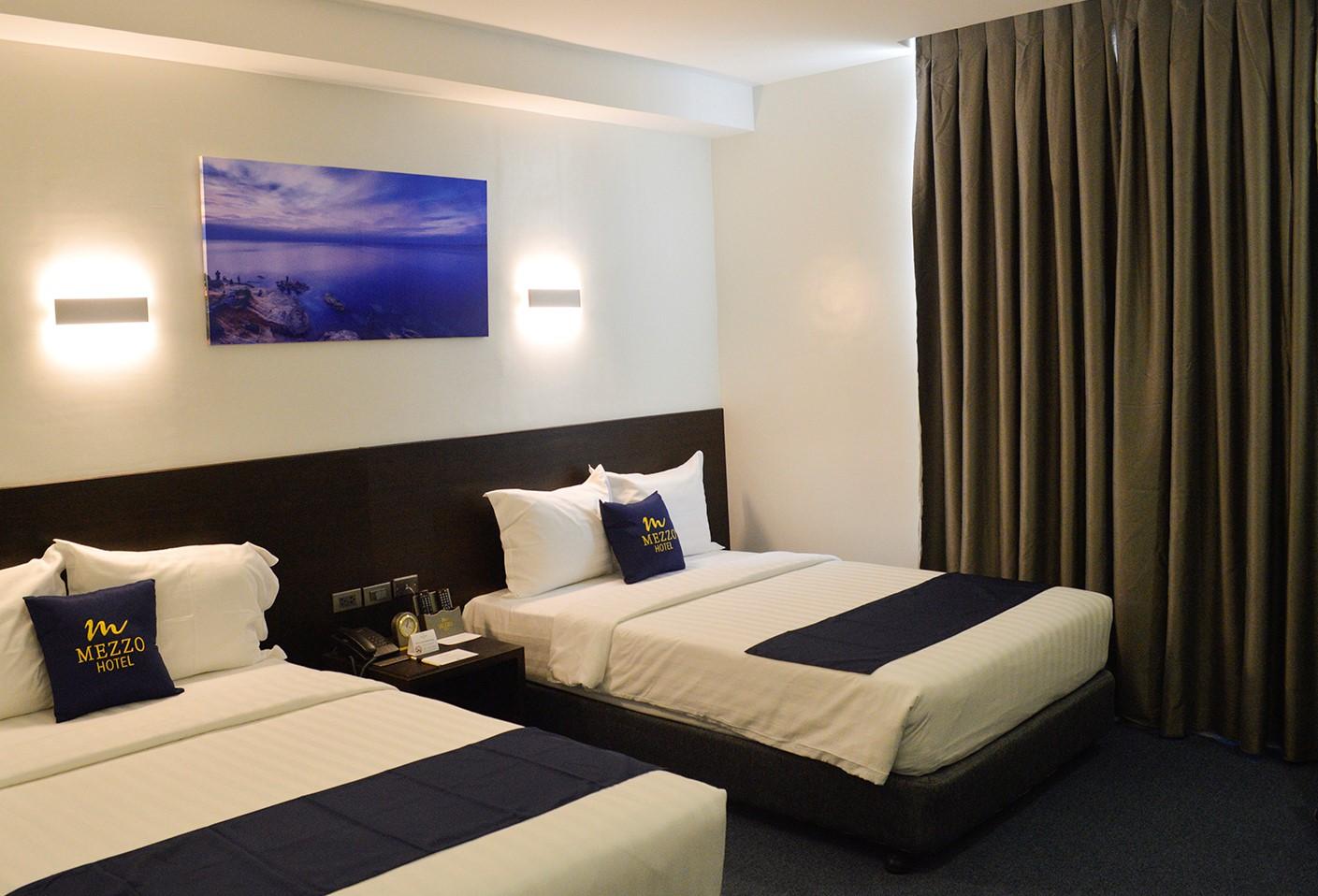 Mezzo Hotel - Deluxe Room